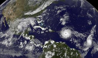 Hurikán Irma drtil východní Karibik, teď míří na Portoriko