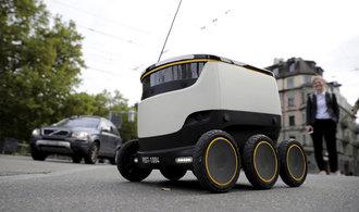 OBRAZEM: V Curychu začíná poštu doručovat samořiditelné vozítko