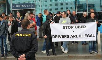 Ochromí taxikáři dopravu na letiště v Ruzyni? Jejich protest má brzy začít
