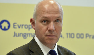 Prezidentský kandidát Fischer: Nechal bych prověřit Klausovu amnestii