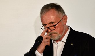 Kdo chce Topolánkovi bránit v kandidatuře? Někteří právníci tvrdí, že je neplatná