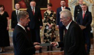 Babiš se stal novým českým premiérem. Ignorujte novináře, doporučil mu Zeman