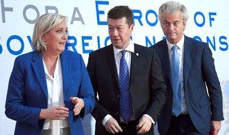 Svrhněme Unii zevnitř, vyzvala v Praze nacionalistka Le Penová