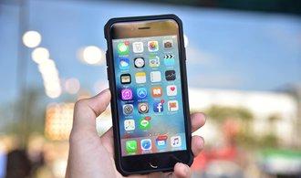 Apple čelí žalobám kvůli zpomalování iPhonů