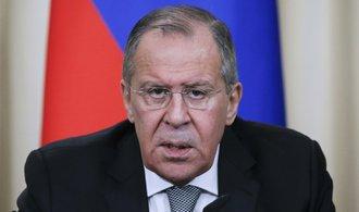 Teroristé po porážce v Sýrii odešli jinam, hrozí spojení IS a Al-Káidy, varuje Rusko