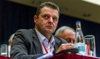 Komunista Ondráček nepovede komisi pro kontrolu GIBS, rozhodli poslanci