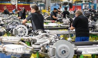 Daimler šetří. Propustí výrazně více pracovníků, než avizoval
