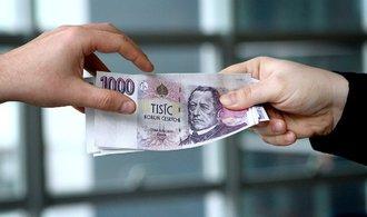 Nechte si stranou hodně peněz, jsou pojistkou proti pádu trhů, radí experti