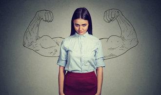 Když je zle: V těžkých dobách mají ženy tužší kořínek