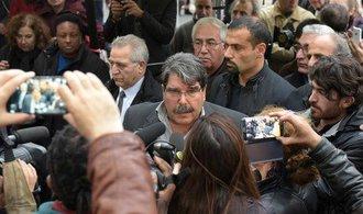 Česká policie zadržela bývalého vůdce syrských Kurdů. Turecko žádá o jeho vydání