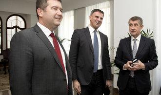 Z vládního vyjednávaní mezi Babišem a ČSSD se stává bitva o daně