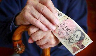 Průměrný starobní důchod je necelých 12 a půl tisíce, stačilo by vám to?