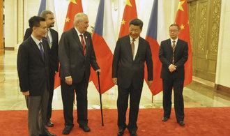 Zeman jako spojka na Rusko aneb Co Čína nechtěla, aby svět věděl o praktikách CEFC