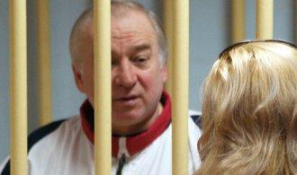Bývalého ruského tajného agenta otrávili nervovým plynem, říká britská policie
