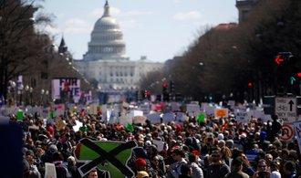 Největší demonstrace od války ve Vietnamu. Američané protestují proti zbraním