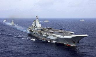 OBRAZEM: Čínské námořnictvo testovalo přestavěnou sovětskou letadlovou loď