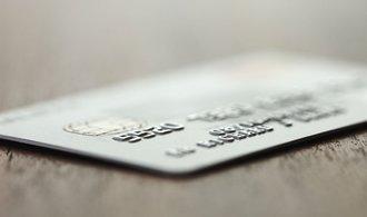 Pád kreditek pokračuje. Banky si za to mohou samy