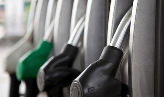 Ceny benzinu i nafty jsou v Česku nejvýše za poslední roky. Podívejte se, kde vyrostly nejvíce