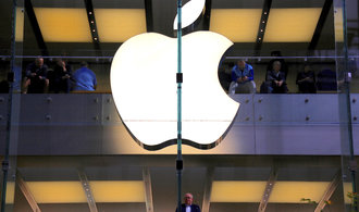Apple zřejmě chystá modelovou ofenzivu, nový iPhone má stát méně než jeho předchůdce