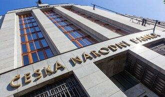 ČNB: Čistý zisk bank stoupl letos o 300 milionů na skoro 44 miliard korun