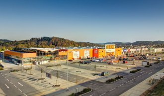 DRFG koupila dva retailové parky za miliardu