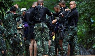 Thajci zřejmě půjdou brzy do akce: záchrana zatopených může začít už během víkendu