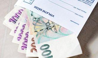 Minimální mzda vzroste o jedenáct stovek na 13 350 korun. Polepší si tak i rodiče s malými dětmi