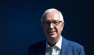 Zeman přestal vykonávat funkci prezidenta, říká Drahoš. Další kandidaturu nevyloučil