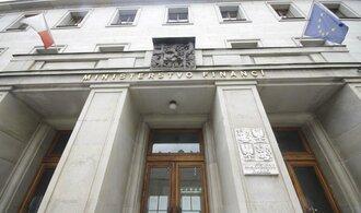 Ministerstvo vybralo menší dividendy
