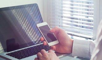 Průzkum: Užívání sociálních sítí v Česku začalo letos klesat