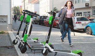 Praha vypoví dohodu s firmou Lime. Elektrokoloběžky z ulic přesto nezmizí