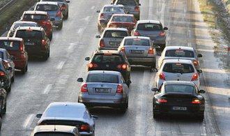 Motoristy v Česku čeká v létě přes 40 uzavírek a omezení, dálnici D1 budou hlídat radary
