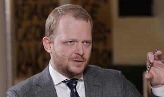 Kalenský: Devadesát procent dezinformací na sítích je z Kremlu, Putinovi jde o oslabení protivníka