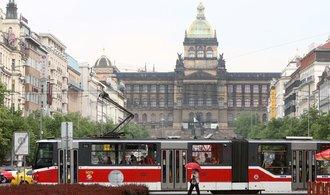 Návrat tramvají na Václavské náměstí narazil, současný strop stanice metra Muzeum trať neunese