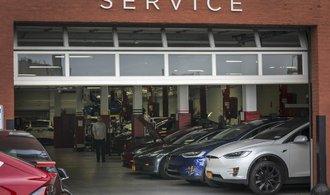 Tesla v Praze otevře svůj první český servis