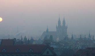 Praha v době smogu zavede MHD zdarma, město za opatření zaplatí miliony korun denně