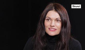 Dojemné příběhy džihádistek maskují krutou skutečnost, říká reportérka Markéta Kutilová