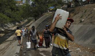 Rabování, nefungující elektřina a málo vody. Prohlédněte si snímky ze stále pochmurnější Venezuely