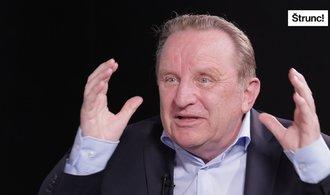 Češi důchodovému systému nerozumí, vyhrávají jednoduché sliby, říká ekonom Vostatek