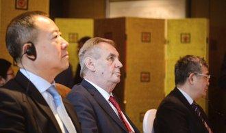 Známe účastníky prezidentovy cesty. V Číně jsou významné firmy v čele s Agrofertem