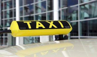 Praha chce zrušit stanoviště taxíků v centru, městu vadí šizení zákazníků