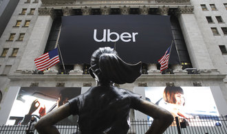 Uber se zbavuje pachuti z nepovedeného vstupu na burzu