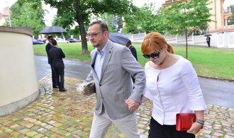 Kauza zneužití BIS: Soud osvobodil Nečasovou i lobbistu Rittiga