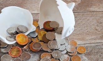 Při pandemii se podle průzkumu zhoršila finanční situace třetiny Čechů