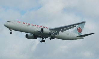 Boeingu 767 došlo palivo 12 kilometrů nad zemí. Od zázračného přistání uplynulo 36 let
