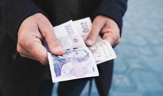 České mzdy stoupají vzhůru. V posledním čtvrtletí loňského roku vzrostly o téměř sedm procent
