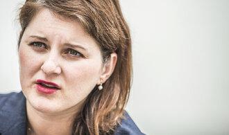 Osekání dávek na bydlení kritizují i ministři. Nejde o žádnou revoluci, brání se Maláčová
