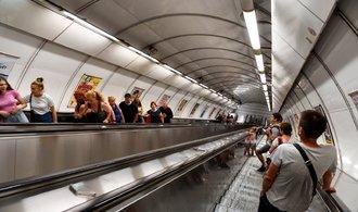 Reklamní plochy v metru bude provozovat Railreklam. Z nové smlouvy získá DPP dvakrát víc než od Rencar