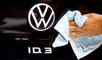 Volkswagen se musí rychle transformovat, aby neskončil jako Nokia, říká šéf koncernu Diess