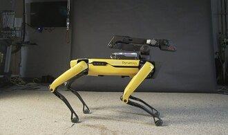 Bostonský robotický pes dospívá. Přenáší věci a sám se dobíjí